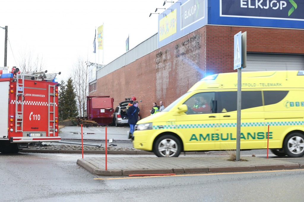 Personen ble fraktet til sykehus med ambulanse