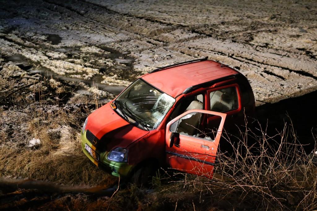 Bilen fikk store skader etter rundvelten